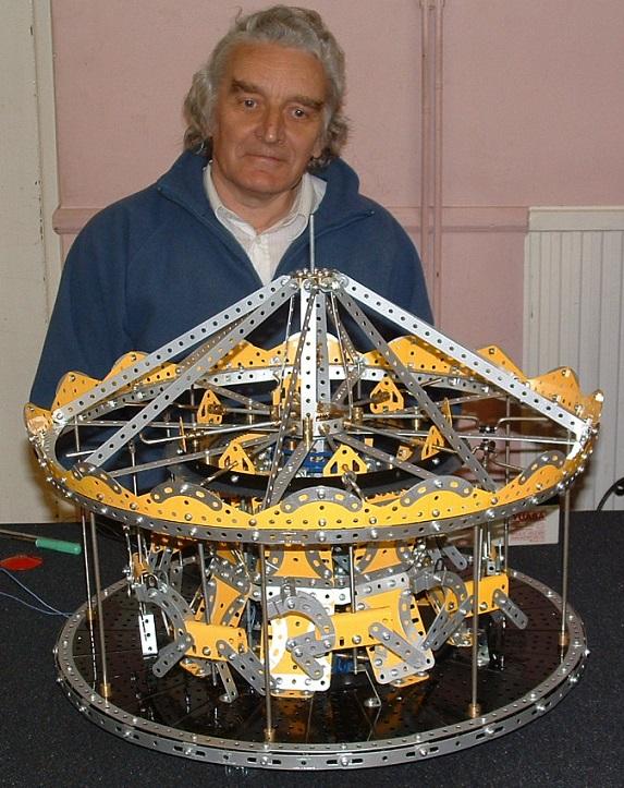 Merry-go-round 2004