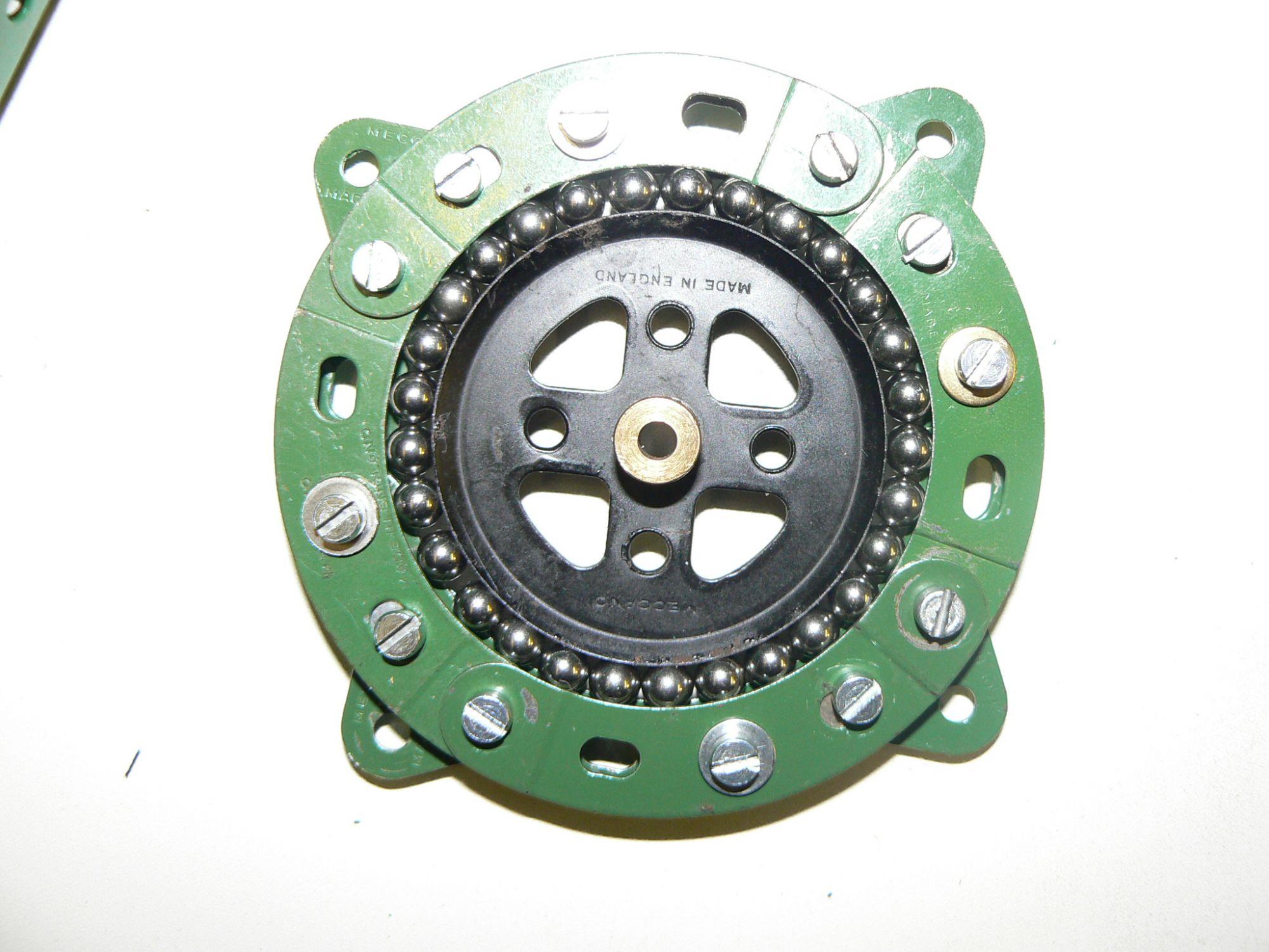 'Bottom bracket' bearing