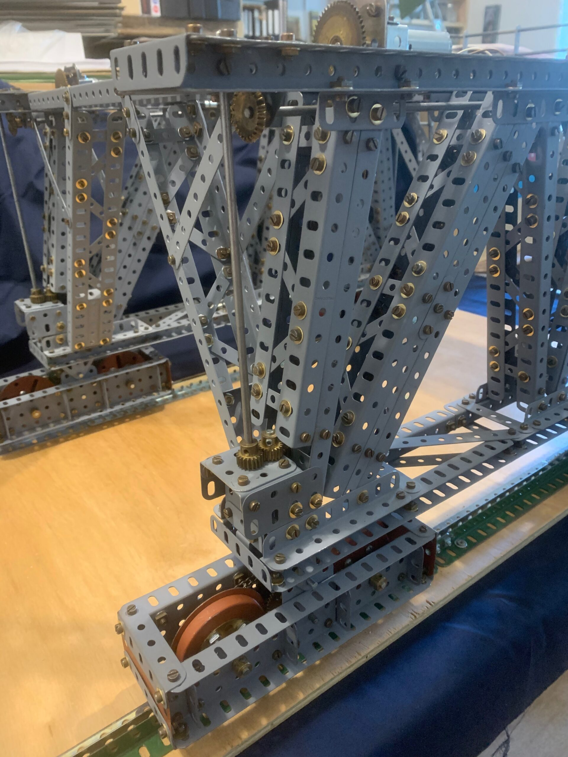 EP Block setting crane 3